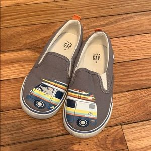 Gap slip on surf shark sneakers